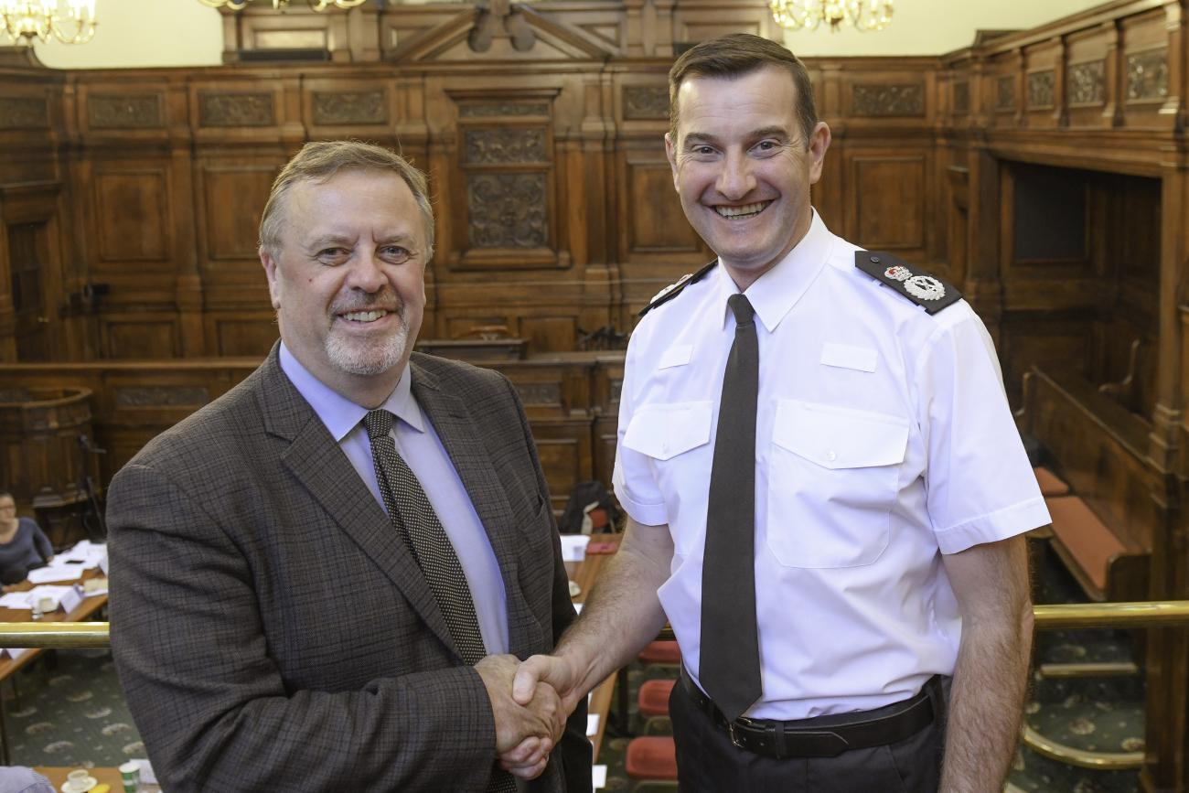 Image of Mark Burns-Williamson and Chief Constable John Robins